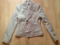 букле - Женские костюмы - купить пиджаки, жакеты в Москве на Avito 6c11f1e95ca
