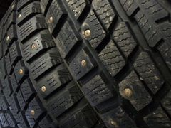 Отличный комплект Dunlop Winter Ice 235.65 R17