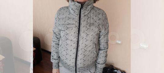 db7111fb8df1 Куртка двухсторонняя женская фирмы nike купить в Кемеровской области на  Avito — Объявления на сайте Авито